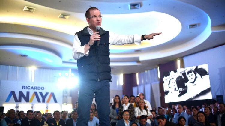 XALAPA, VERACRUZ, 07ENERO2018.- Los panistas Ricardo Anaya, precandidato a la Presidencia de la Republica, y Miguel Ángel Yunes Márquez, precandidato a la gubernatura de Veracruz, convivieron con la militancia panista de este estado.   FOTO: ALBERTO ROA /CUARTOSCURO.COM